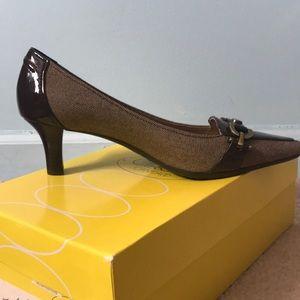 Shoes - Circa Joan & David brown heels
